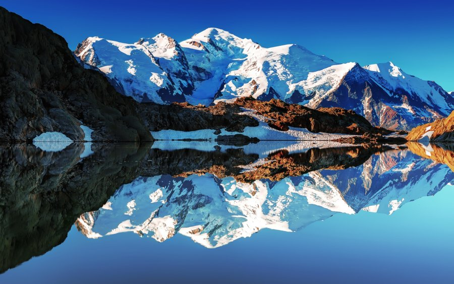 France-Alps-Mont-Blanc-white-mountains-lake-reflections-mirror_1920x1200.jpg